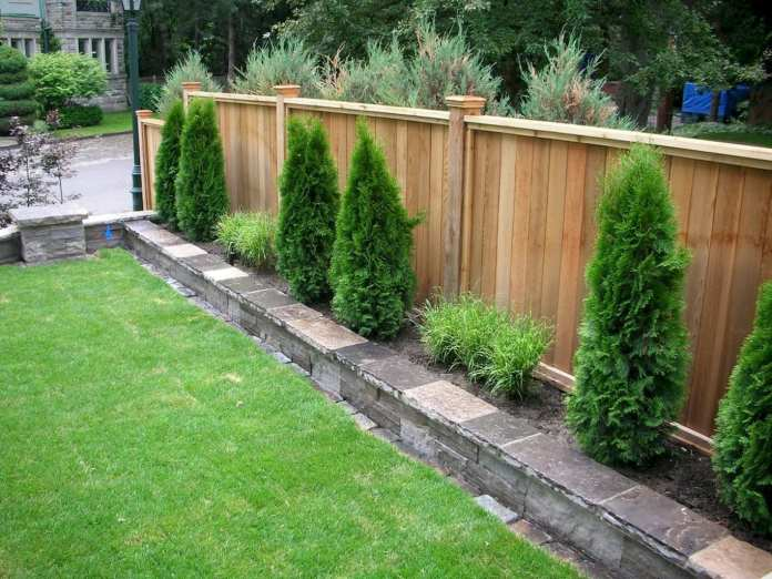 Simphome.com outdoors affordable backyard fence ideas for your best outdoor