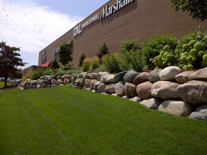 5.Simphome.com Natural Stone Retaining Wall