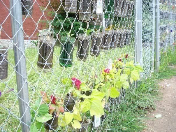 1. Simphome.com Make Your Fence Do a Double Duty 2