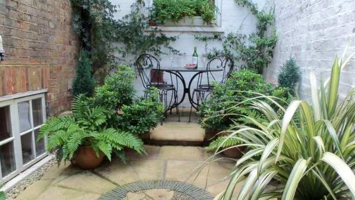 10 Small Courtyard Garden Ideas - Simphome
