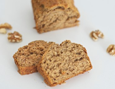 Healthy Banana bread with walnuts