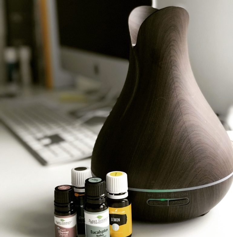 Essential oil mix for diffuser when you have a cold. Eucalyptus oil, Lemon oil, Thyme oil and Peppermint