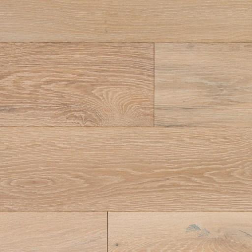 Naturally Aged Prairie Engineered Hardwood Floor - Oak Royal Collection
