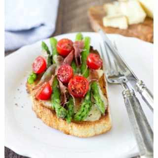 Greyère, Asparagus and Prosciutto Open-Face Sandwich