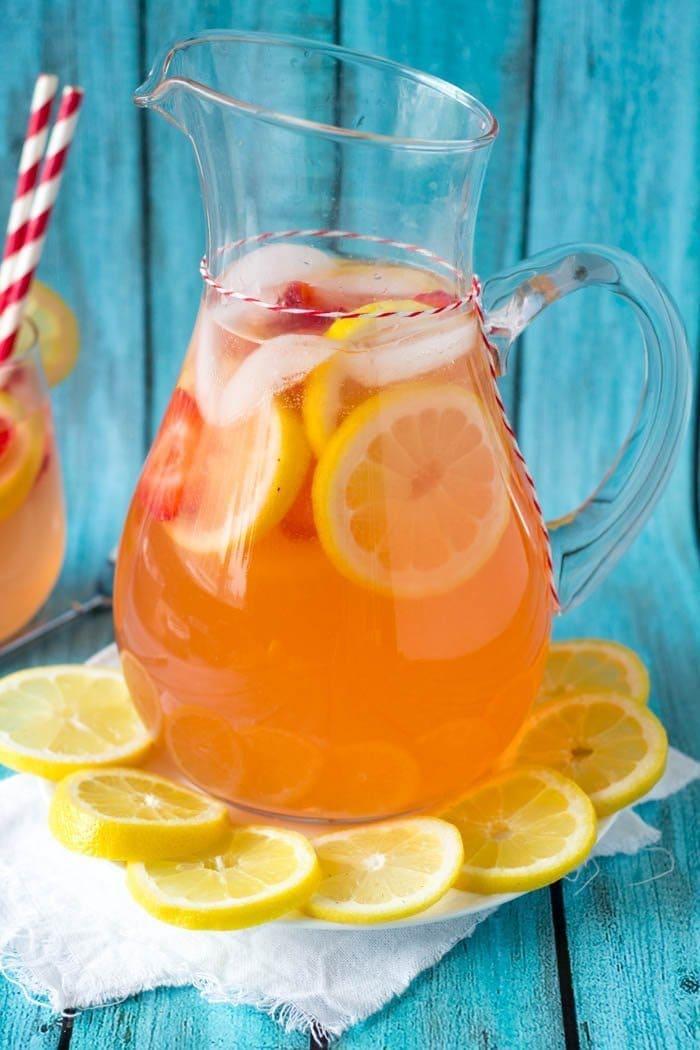strawberry lemonade 3- simplehealthykitchen.com (1 of 1)