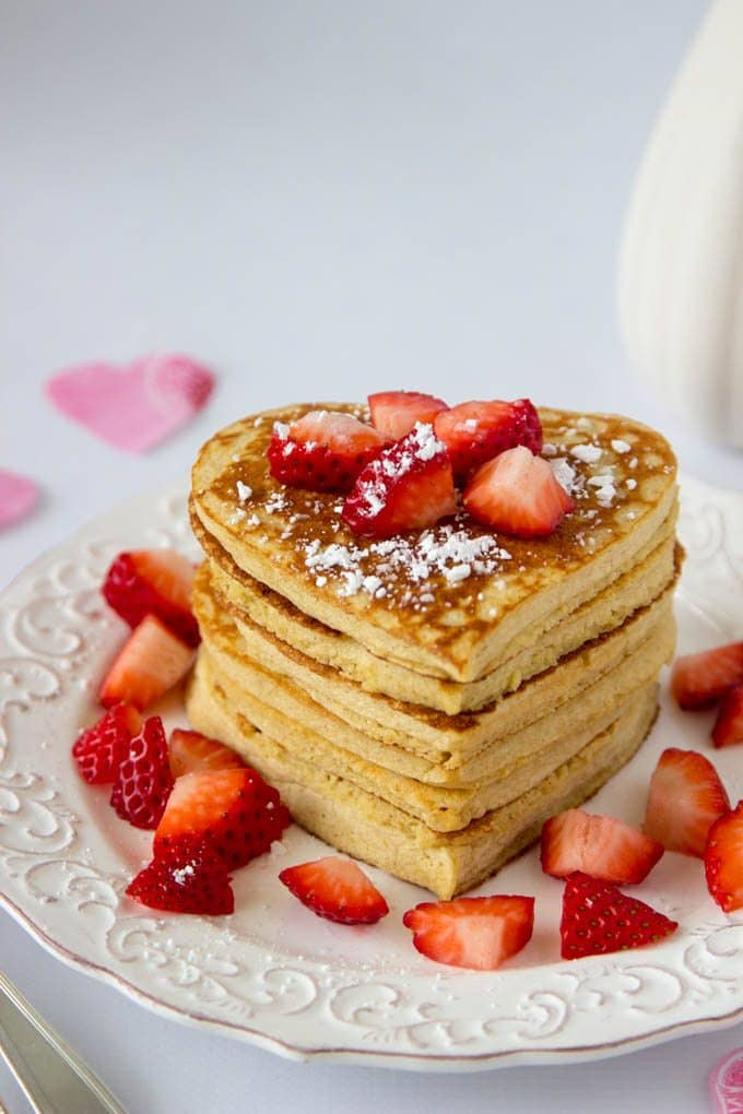 high-protein-oatmeal-pancakes-heart-shaped-valentines-day 4