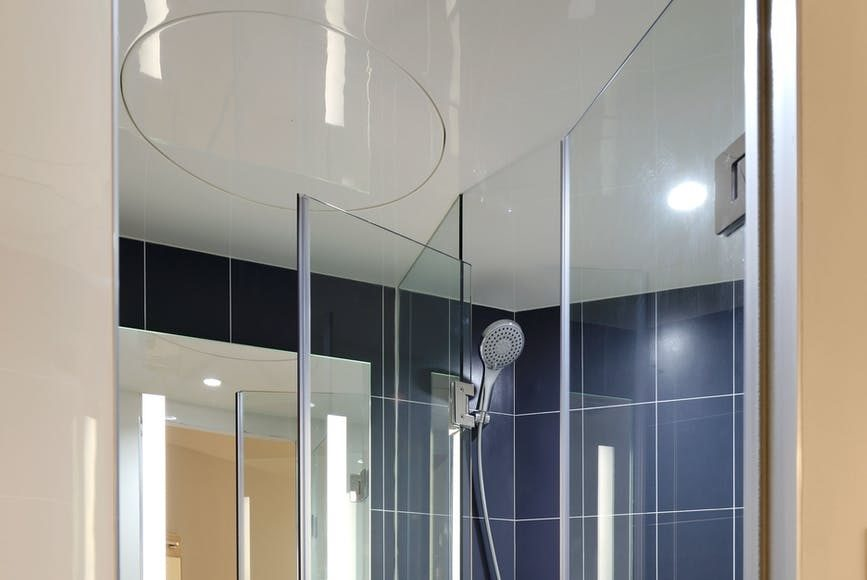 lighting ideas for small bathrooms