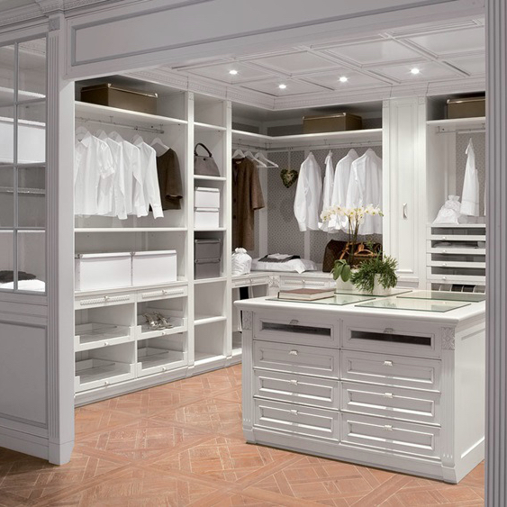 Edit And Organize Your Closet PLUS Free Downloadable Checklist