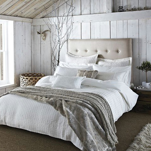Luxe Living: How To Make A Beautiful Bed - Simple Luxe Living