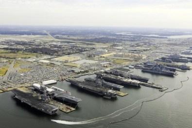 963962-base-navale-norfolk-plus-grande