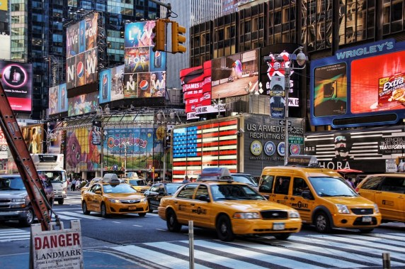 Taxi Time Square Broadway Big Apple New York Usa