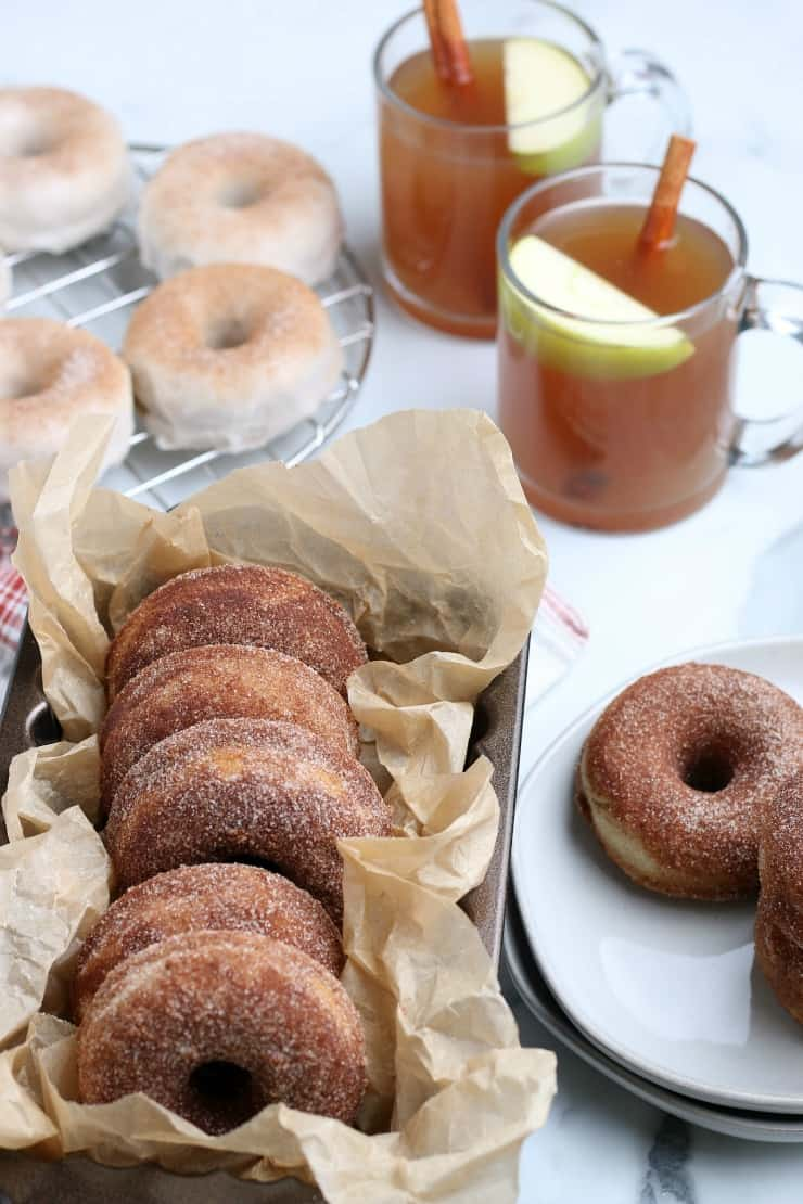 How to make Apple cider donuts at home #ciderdonuts #fall #falldonuts