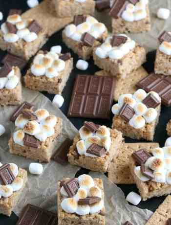 SIMPLE S'mores Rice Krispie Treats - a perfect marriage of a basic rice krispie and the gooey s'more #simplepartyfood
