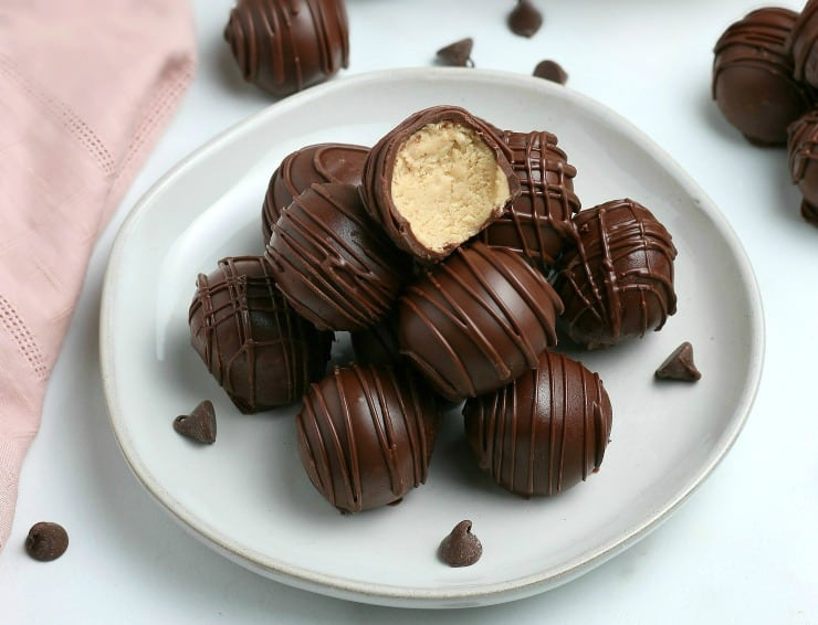 SIMPLE Peanut Butter Balls