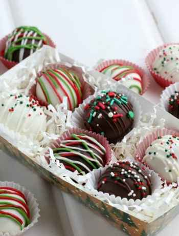 SIMPLE Cookie dough Christmas Truffles are a great addition to your holiday gift basket or to enjoy on Christmas day