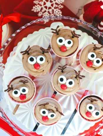 SIMPLE Rudolph the Reindeer Cupcakes are as cute as they are delicious #simplepartyfood