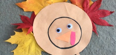 Thanksgiving Turkey Craft for kids. Love how easy and CUTE this is!