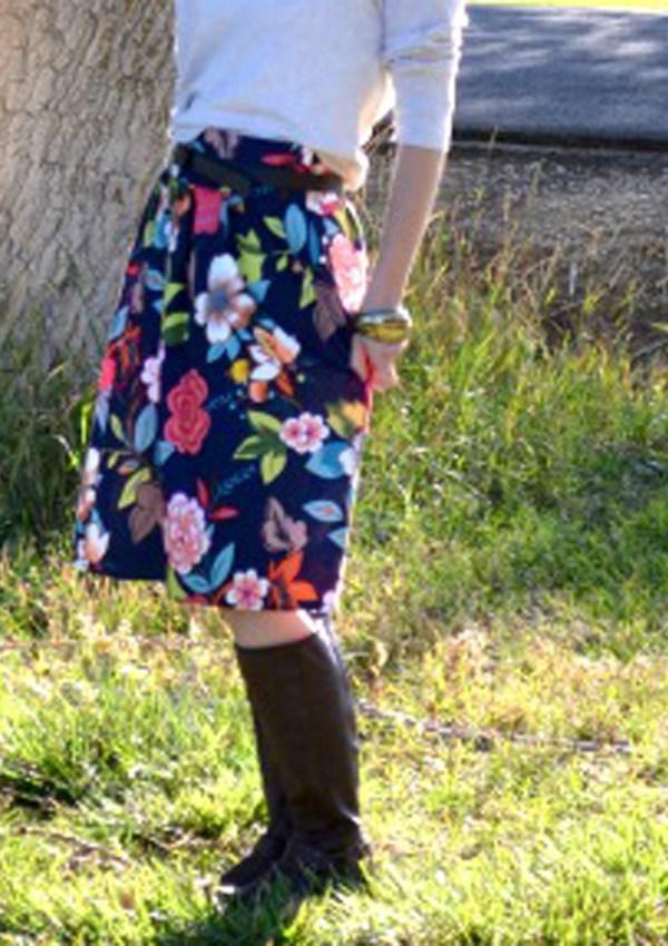 A Wide Waistband Pleated Skirt Tutorial