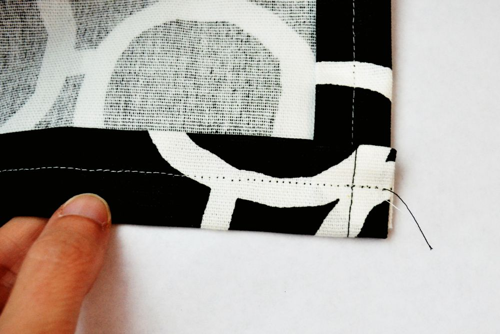 Simple Curtains Hem