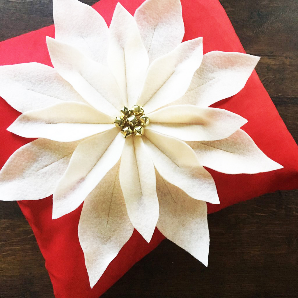 Poinsettia Pillow Tutorial And Pattern Simple Simon