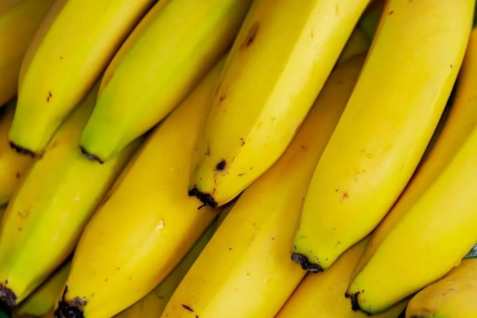 bananas has a lot of Serotonin in Food