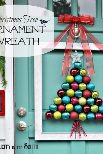 Christmas tree ornament wreath