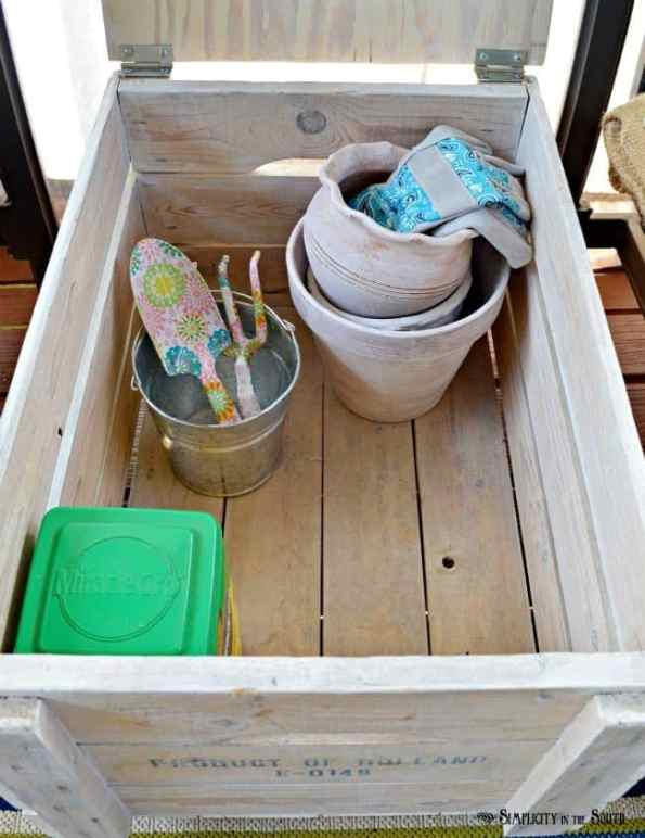 garden tools storage crate