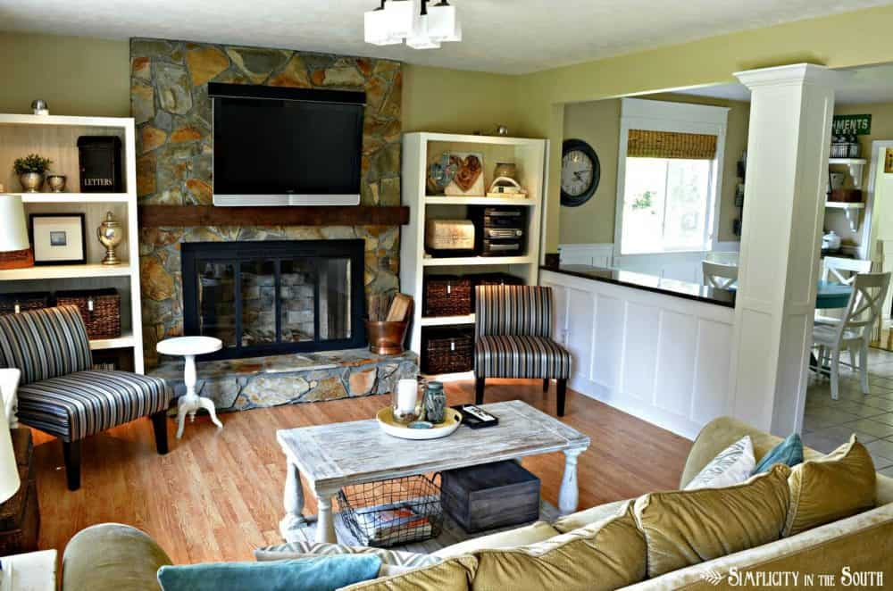 Living room open to kitchen
