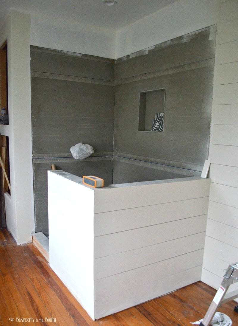 Shiplap gives you the casual, farmhouse look that so many of us are after. Ever wondered if you can use shiplap walls in the bathroom? The answer is yes! This post gives you the tips and tricks you need to know before you tackle this budget-friendly DIY project on your own.