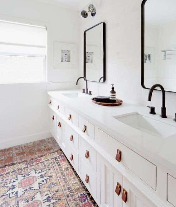 bathroom via Lala Webster