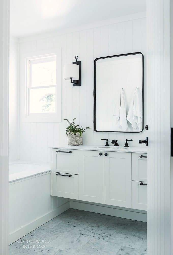 industrial farmhouse bathroom via Cottonwood Interiors