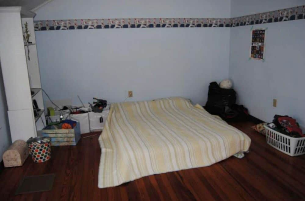 guest bedroom before picture