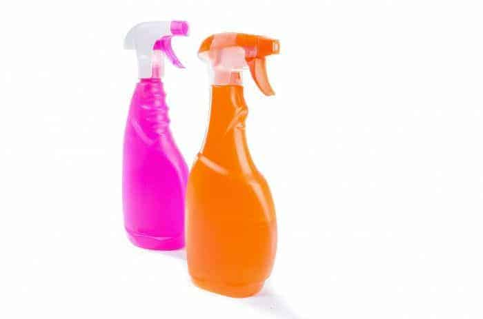 How to make your own all purpose cleaning spray - natural cleaning products aimed to simplify your life. More simple living tips on the blog.