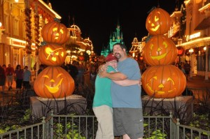 Did you know Disney has a rule against pretend violence in pictures taken at its parks?