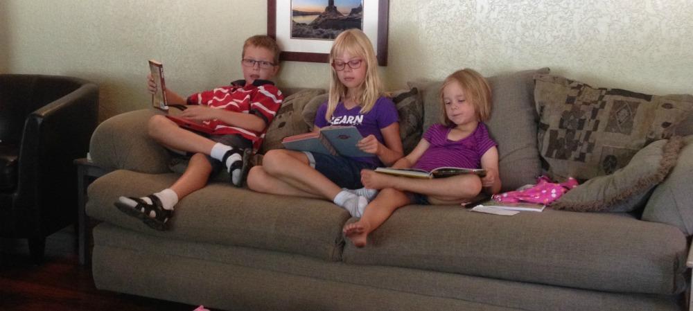 weekly homeschooling schedule includes reading