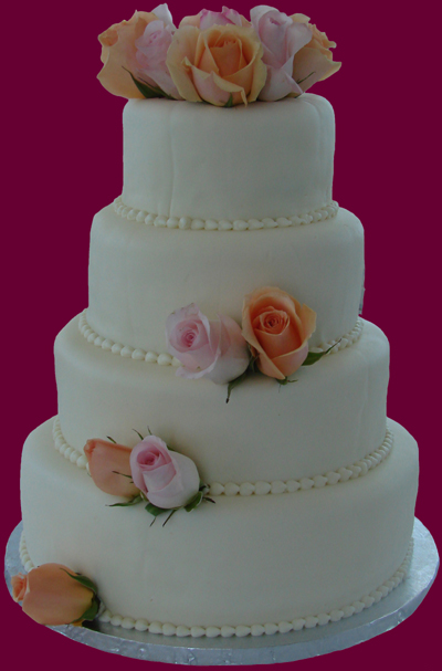 A Recipe for Happiness Italian Cream Wedding Cake I love weddings