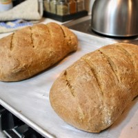 17-41: Molasses Oatmeal Bread