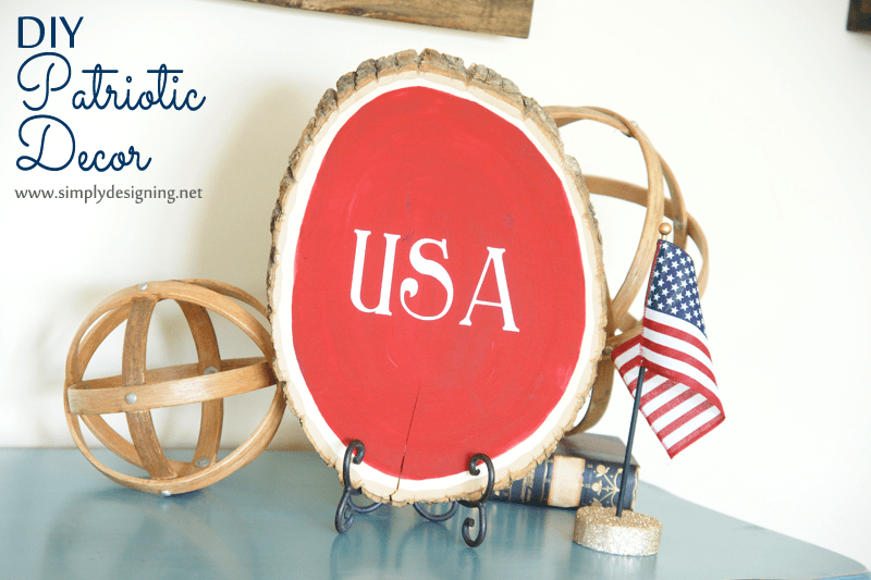 DIY Patriotic Tree Slice Decor | #4thofJuly #FourthOfJuly #redwhiteandblue #patriotic #craft #craftblogger