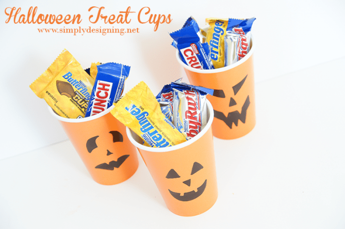 Pumpkin Treat Cups #halloween #fall #candy #crafts