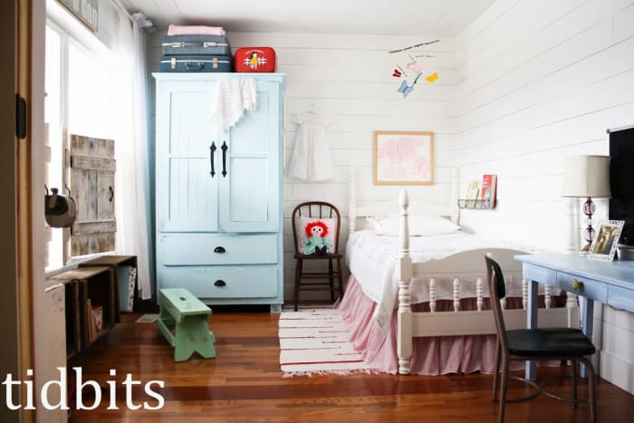 A little big girl bedroom