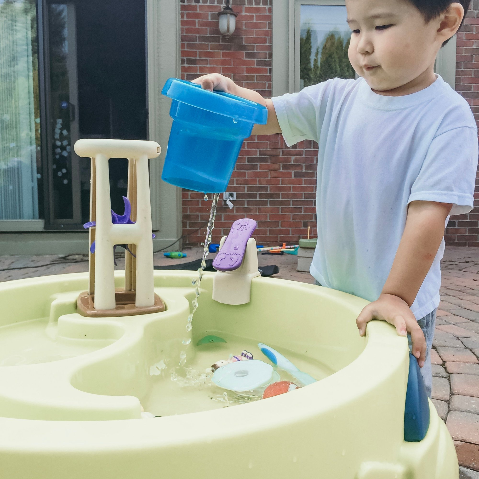 Outdoor Toys for Toddlers - water table