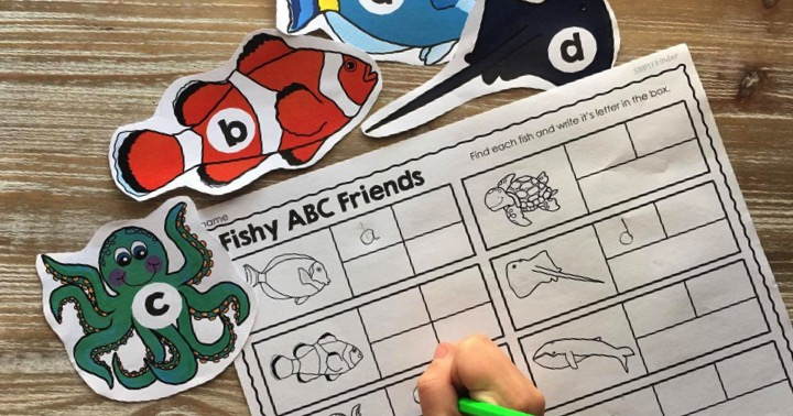 Play this Fish Friends Alphabet Game for free from Simply Kinder!
