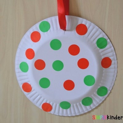 Paper Plate Christmas ornaments large spots