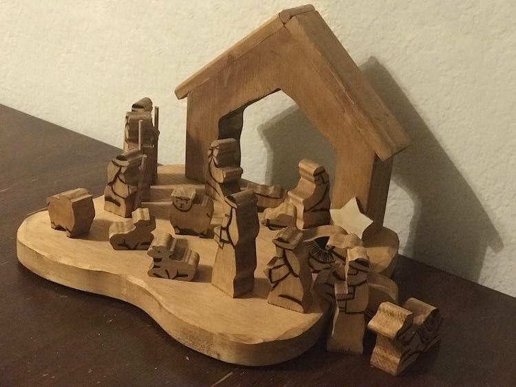 The nativity scene finished after using my wood burner to add simple details to all the pieces.