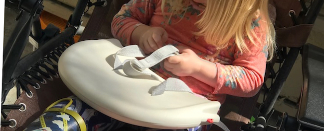 The backrest of our booster seat became an easy to carry buckle simply by taking it outside.