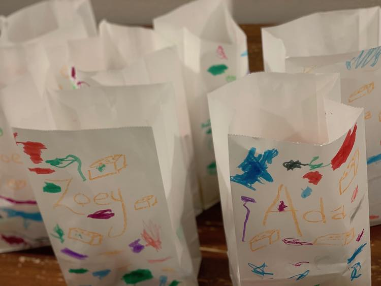 Zoey-colored favor bags.