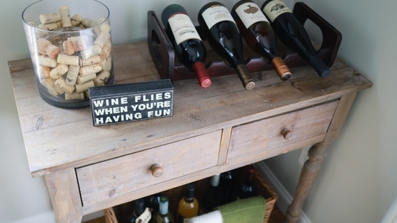 DIY farmhouse wine nook, wine nook, diy, farmhouse, farmhouse inspired, farmhouse decor, wine decor, nook, farmhouse decor, farmhouse nook, wine crafts, corks, quote decor