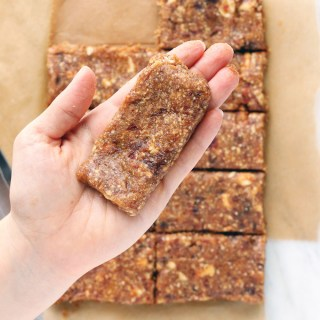 "3-Ingredient Cashew Cookie ""Lara"" Bars"