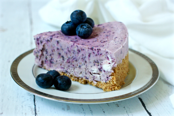 No Bake Frozen Blueberry Pie