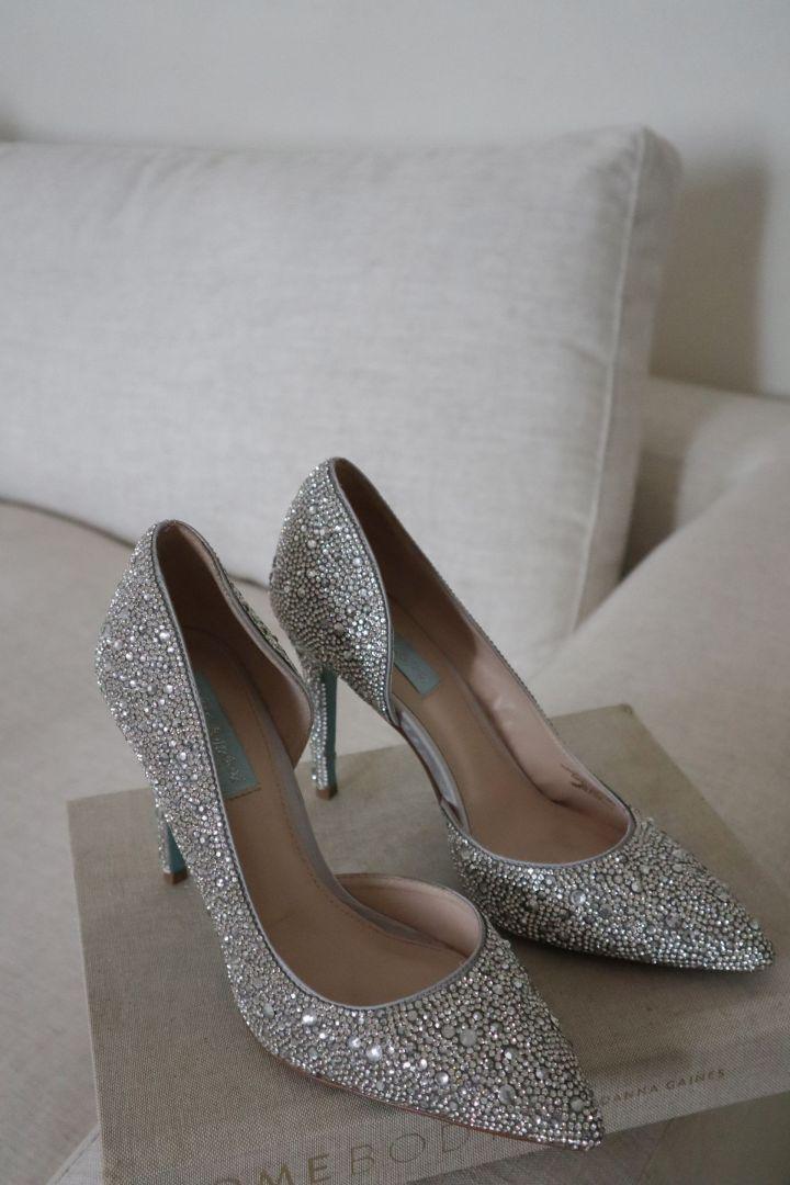 hazil heels